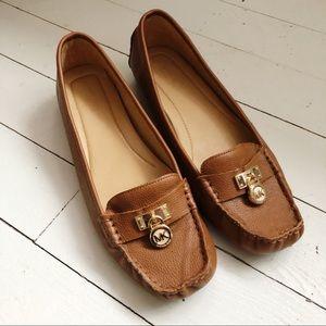 Michael Kors Hamilton Loafers Tan Padlock Size 10